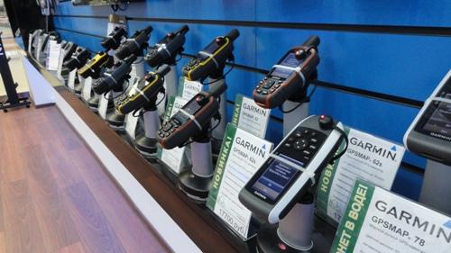 антикражные пьедесталы inVue - системы защиты от краж в магазине Гармин